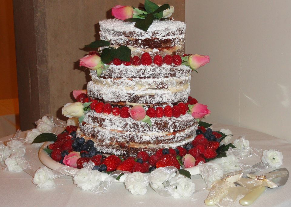 Wedding Cake by Simone Clay
